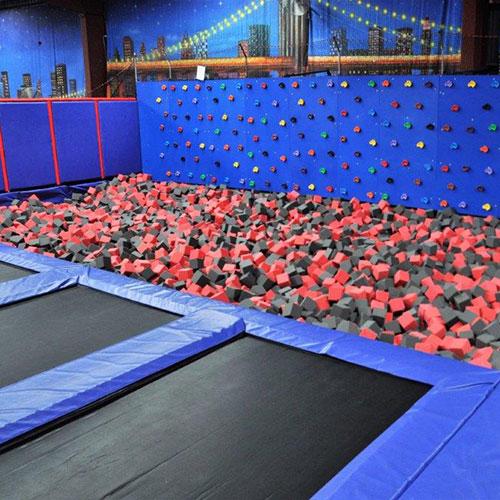 trampoline-climbing-wall-1